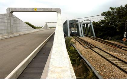 Adif licita el mantenimiento de instalaciones de suministro eléctrico de un tramo de la Línea de Alta Velocidad Madrid-Levante
