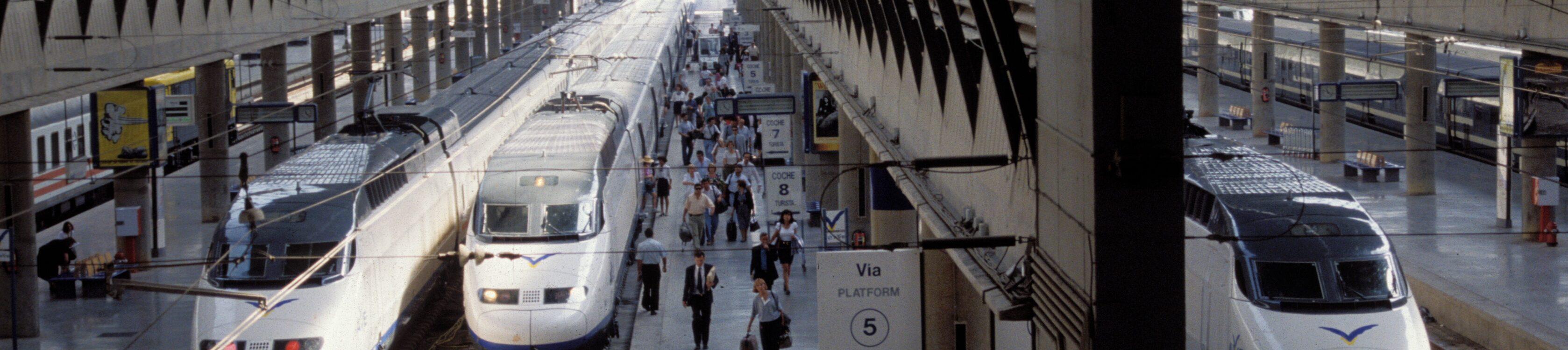 Adif prepara un plan de transformación digital de las principales estaciones de tren en España