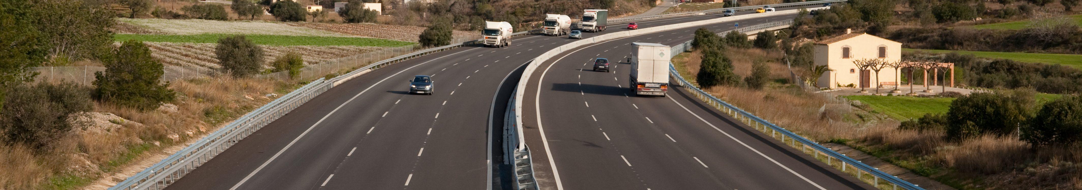 Abertis equipará con 25 dispositivos de reanimación cardíaca las autopistas catalanas