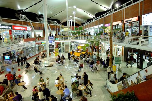 Sacyr entra en el sector de servicios integrales a edificios en Chile